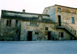 Casa Carotondo in Le Marche, Italy in2004 before we started renovating it.